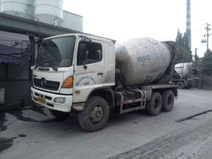 HINO betonmixer